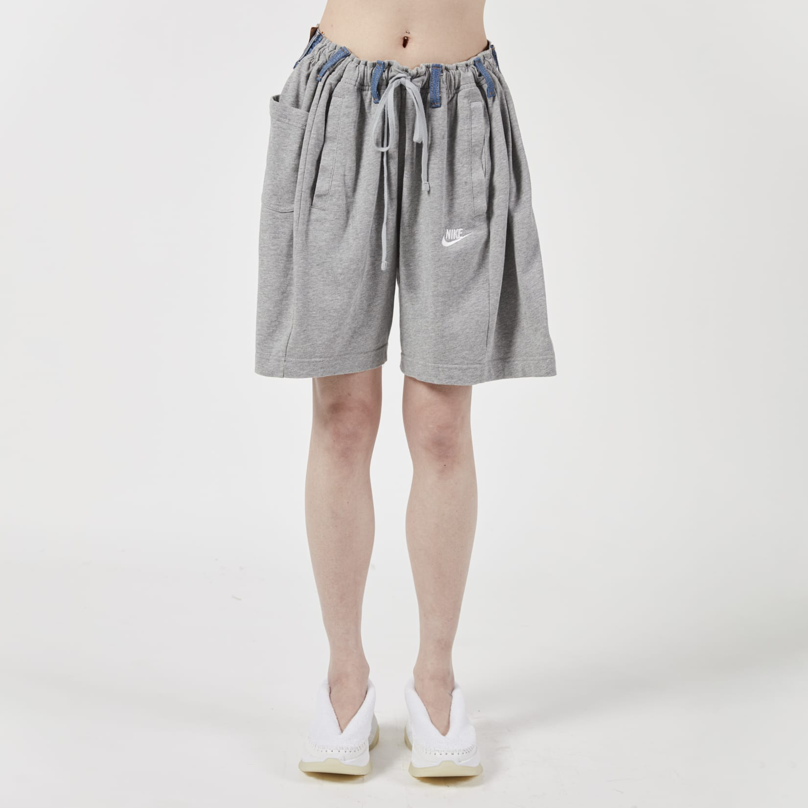 Bless Over Jogging Shorts Grey